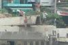 Trẻ em Sài Gòn với thú nhảy cầu mạo hiểm